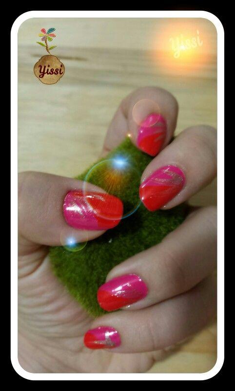 Yissi - unas - nail - diseno - design - rojo - red - rosado - pink - dorado - gold - diagonal 02