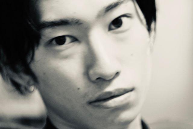どぅアップマクロレンズでレタッチなしでこのクオリティて腹立つねイケメンて笑  model @tomohiro.0507 . #ポートレート #portrait #ポートレートモデル募集 #jp_portrait部 #good_portraits_world  #スクリーンに恋して #hibi_jp #その瞬間に物語を #生活とフィルム  #フィルムに恋してる #何気ない瞬間を残したい #写真で伝える私の世界 #キリトリセカイ #デジタルでフィルムを再現したい #撮るを楽しむ #jp_mood #jp_phos #whim_life #マクロレンズ  #rox_captures #screen_archive #ifyouleave #coregraphy #indy_photolife #2_fineart  #reco_ig #indeis_gram #HUEART_life #関西写真部  #関西写真部share