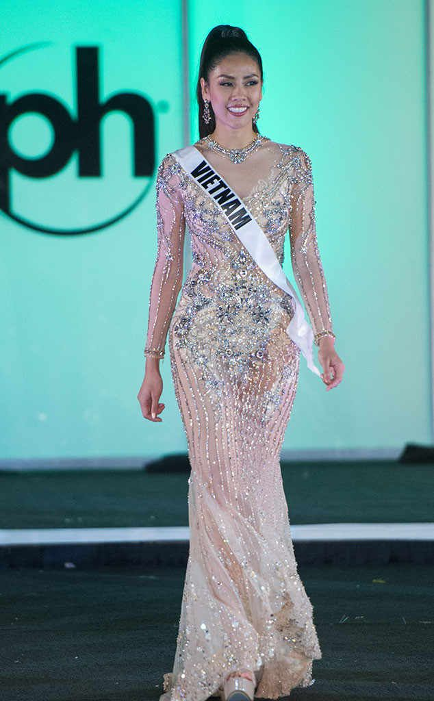 Miss Vietnam from Miss Universe 2017 Evening Gown Competition | ss ...