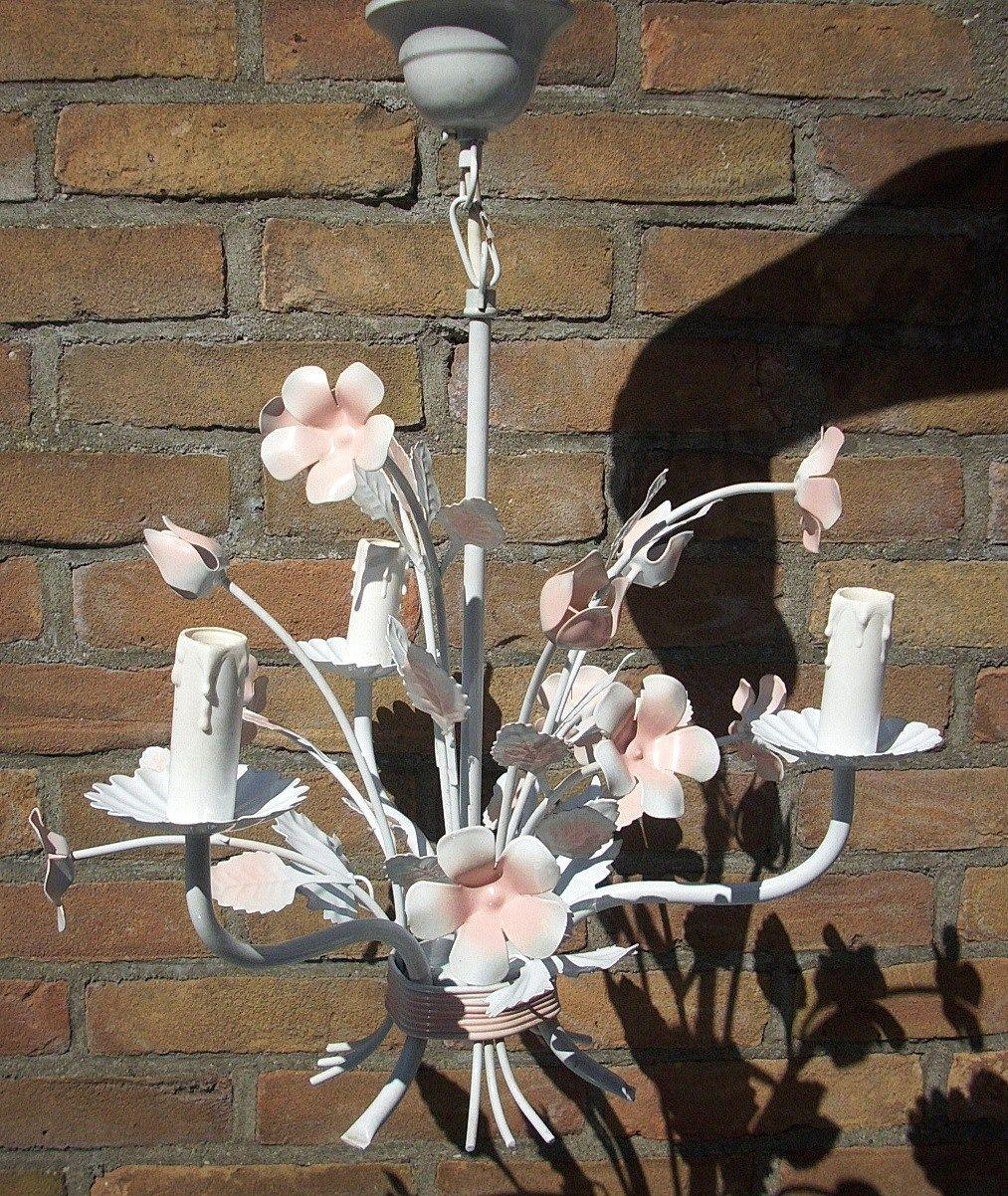 Franse brocante bloemenkroonluchter met roze bloemetjes 40x55cm