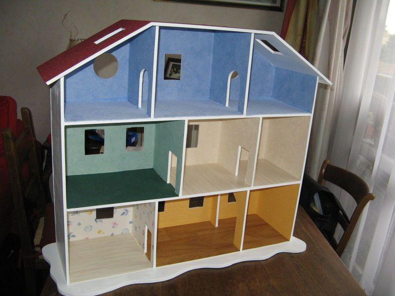 Bon je me pousse pour mettre les photos promises cf fabrication d 39 une maison playmobil d j - Fabrication maison en carton ...