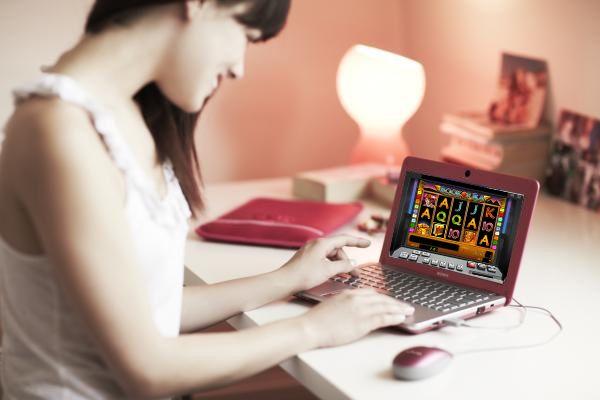 Сегодня буду играть в азартные слоты http://slotsvolcano.opa.by/blog/173707.html