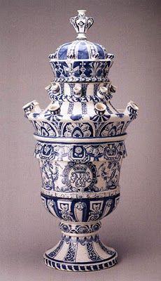 tulipmania and the dutch golden age ceramic pottery porcelain wonders pinterest vase. Black Bedroom Furniture Sets. Home Design Ideas