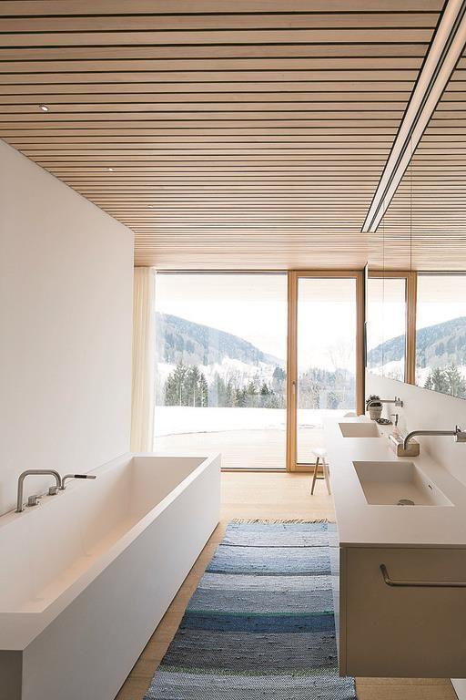 Haus B in Zwischenwasser / Dietrich|Untertrifaller Architekten #polebarndesigns