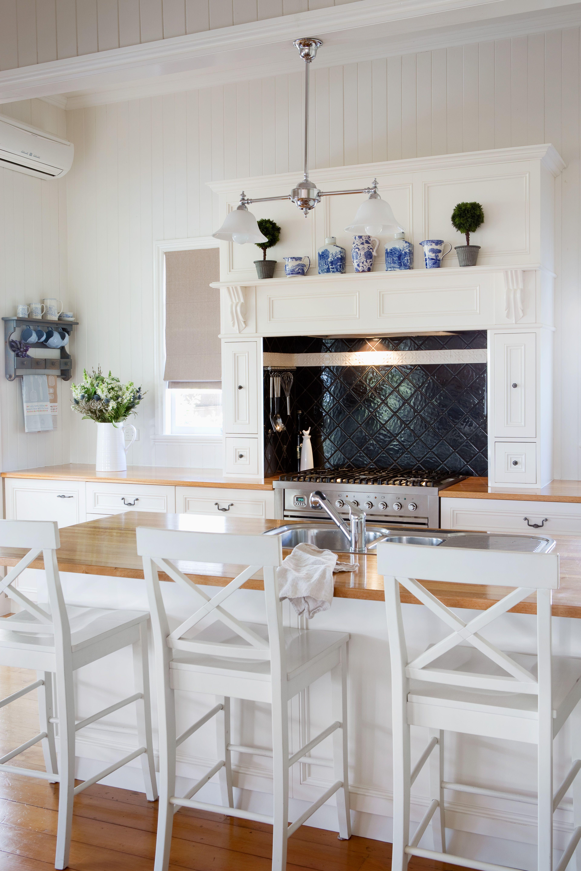 this is my kitchen in my queenslander home it is beautifully functional whilst still being on kitchen interior queenslander id=16994