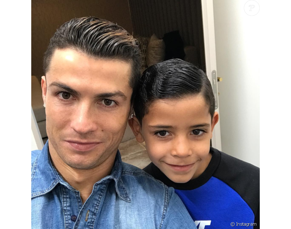 Cristiano Ronaldo Et Son Fils Cristiano Jr Cristianinho Photo Instagram Du