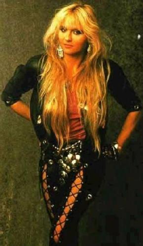 One hell of an artist Doro Pesch ~Rock And Roll Becky~