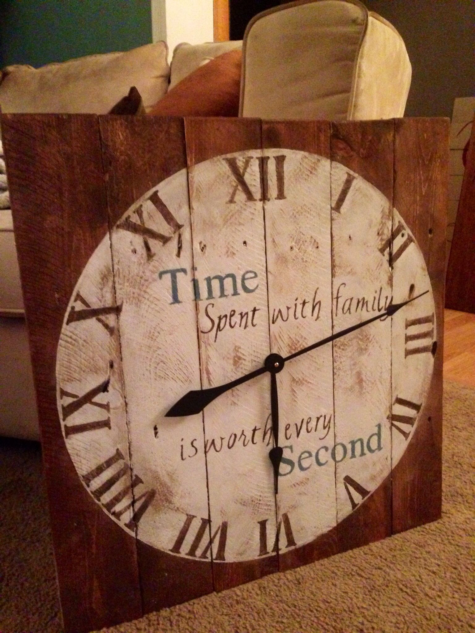 Wood pallet clock made by me Homemade wood pallet signs