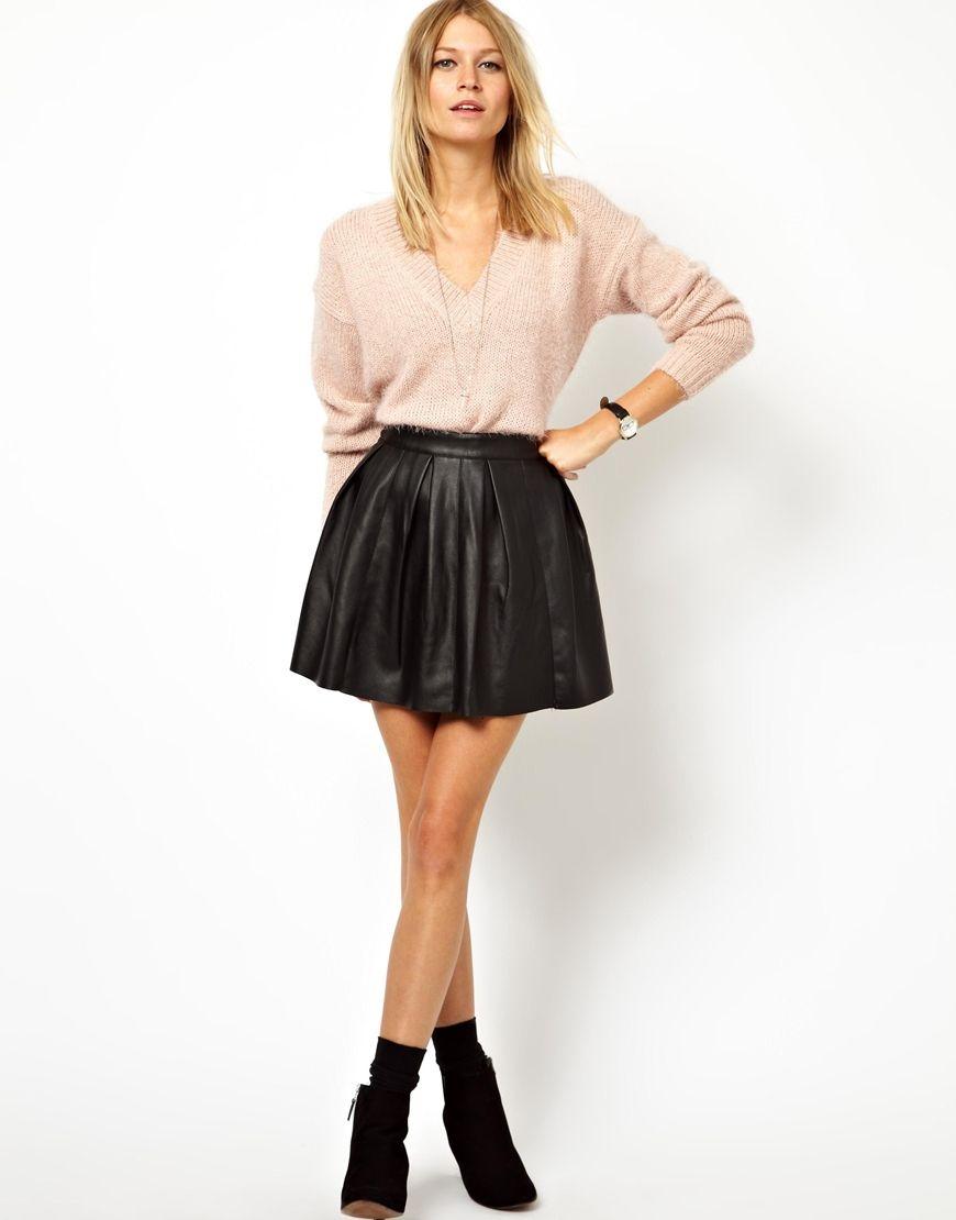 tenue de sortie ensemble jupe noir pull beige cr me avec bottines noir petits talons jupe. Black Bedroom Furniture Sets. Home Design Ideas