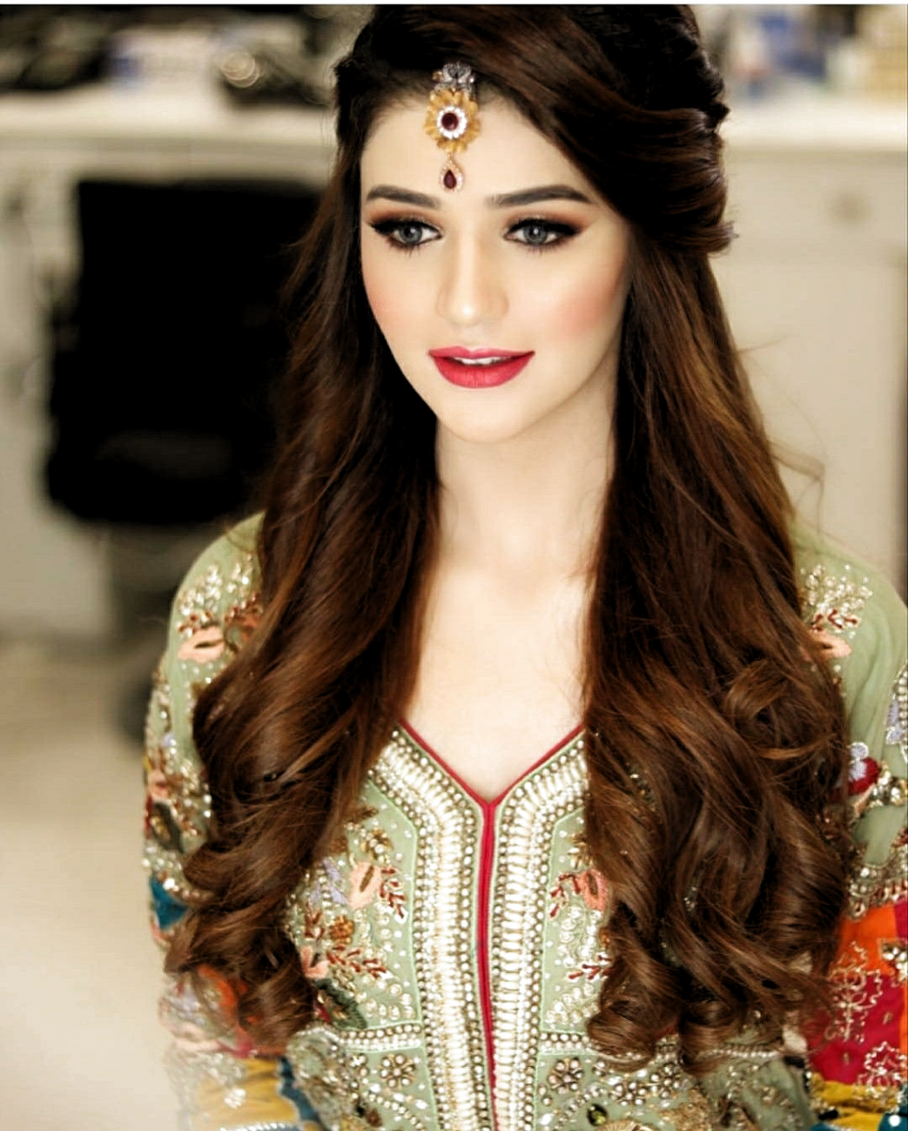 Nice Weddinghairstyles At Hairstyles For Wedding Pakistan From Gallery Si In 2020 Pakistani Bridal Hairstyles Bridal Hairstyle Indian Wedding Pakistani Bridal Makeup