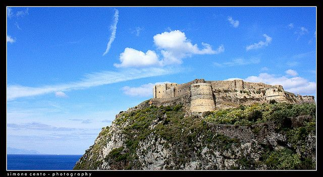 Location: Milazzo Borgo  Model: The Castle during a great spring day.  Simone Cento Photography © Tutti i diritti riservati     I like this one