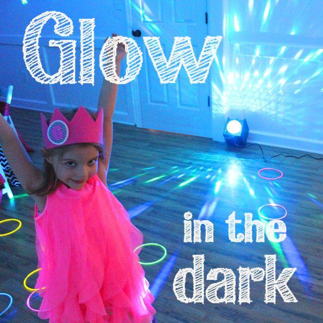Glow In The Dark Party 9 Kindergeburtstag Feiern Ideen Zur Motto