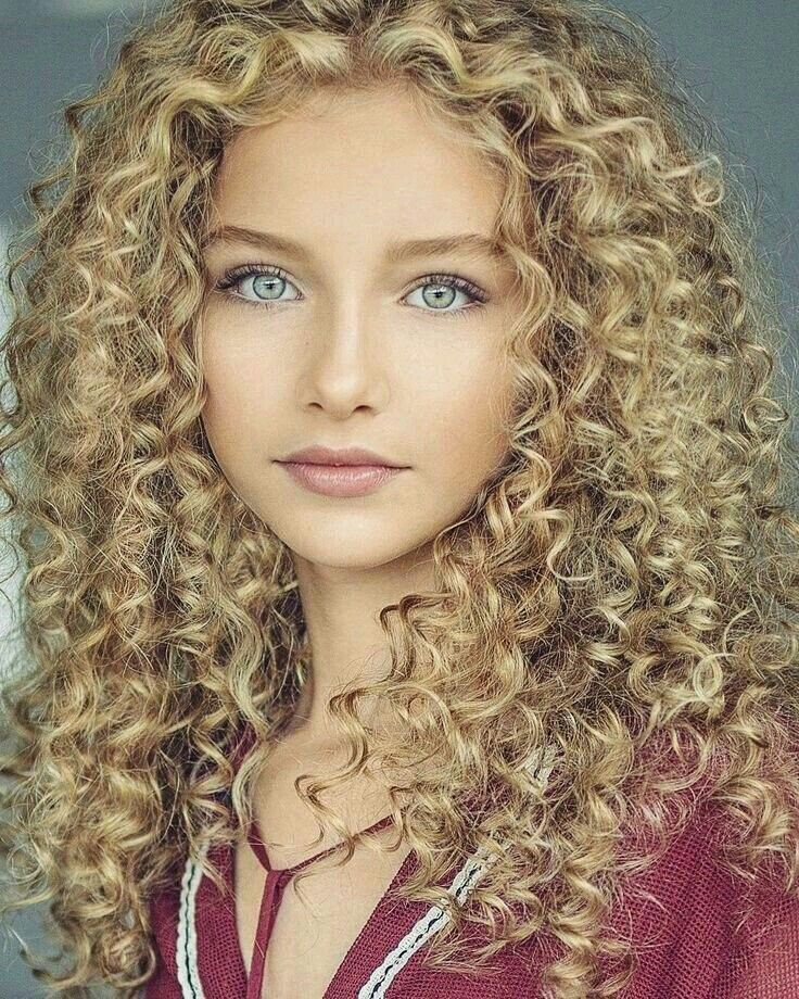 Cassie Malfoy   Long hair styles, Curly hair styles