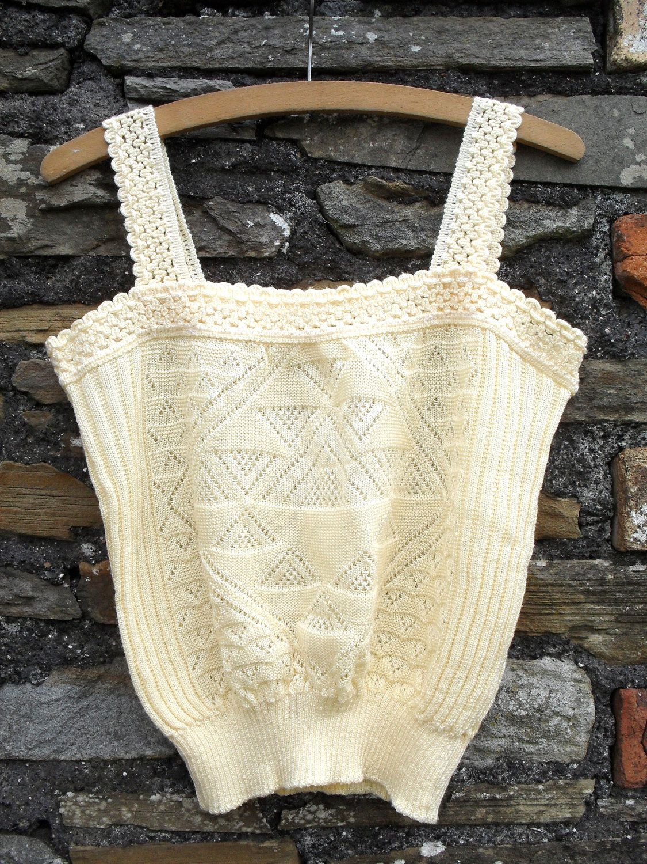vintage '70s crochet top. cute