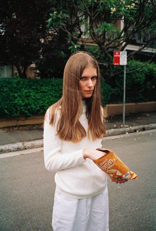 Dakota Gordon ++ via whitezine