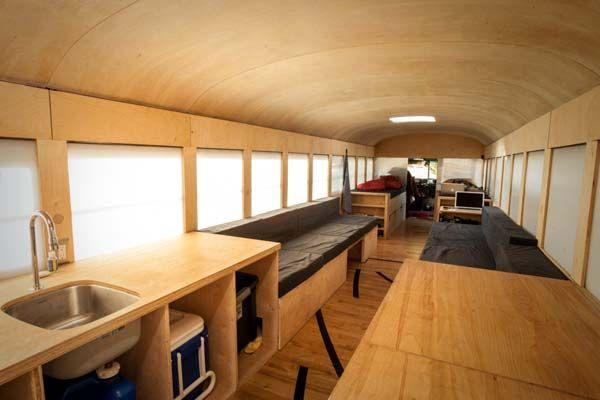Ônibus Escolar é convertido em Casa Móvel por Estudante de Arquitetura