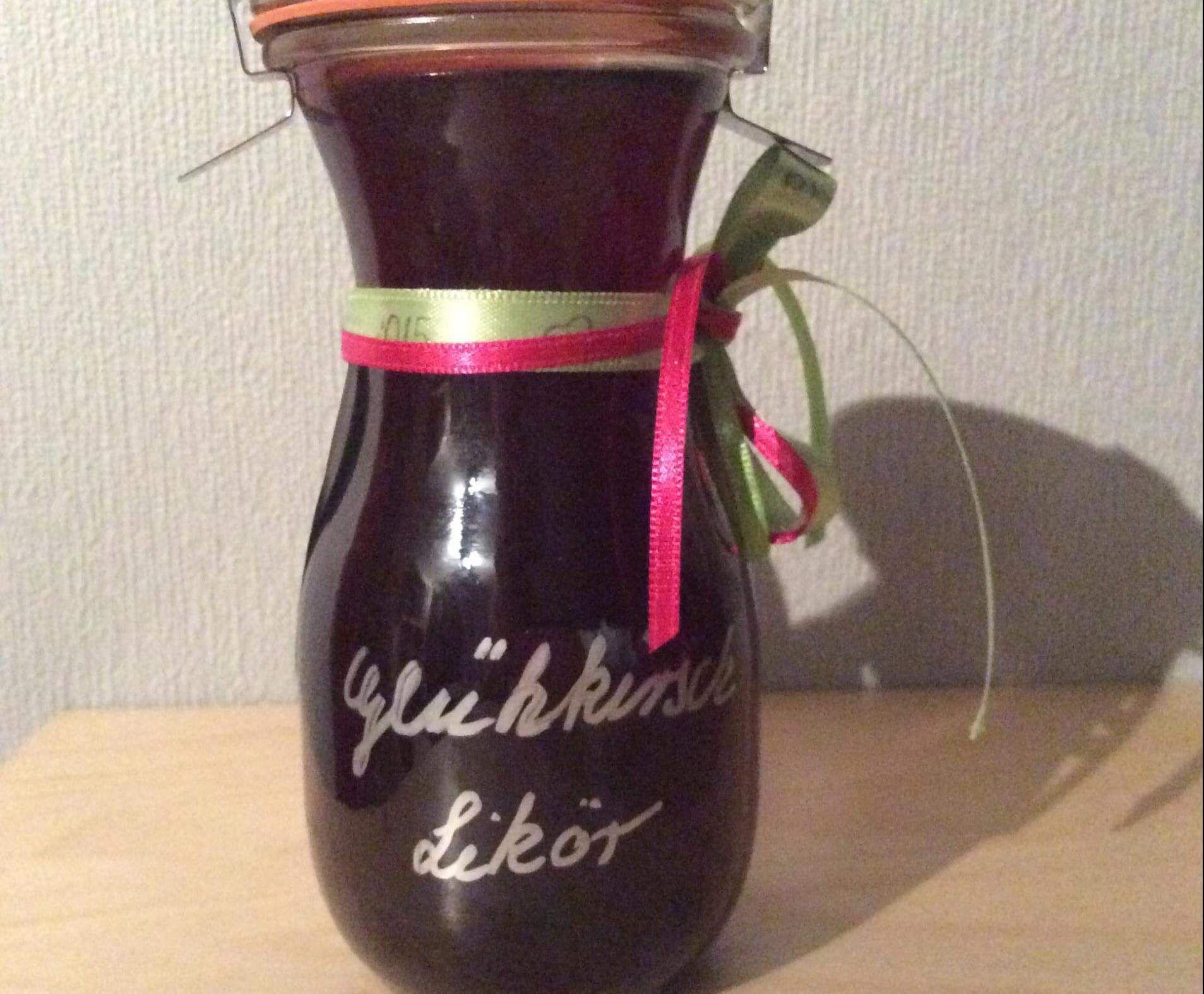 Rezept Glüh-Kirschlikör von Naschkatze79 - Rezept der Kategorie ...