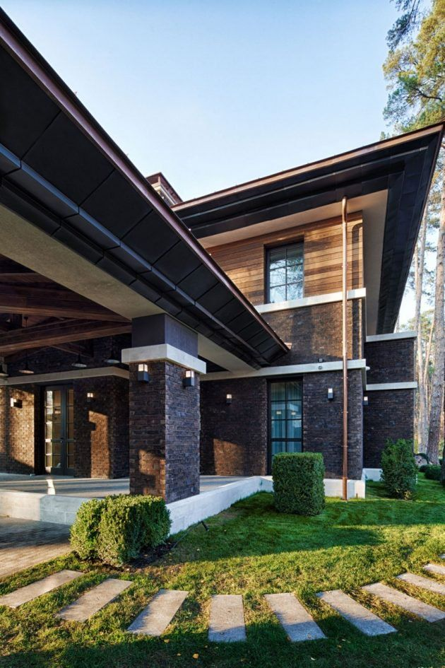 A Frank Lloyd Wright Style Home All The Way Over In Ukraine | Roof  Overhang, Low Pitch And Clerestory Windows
