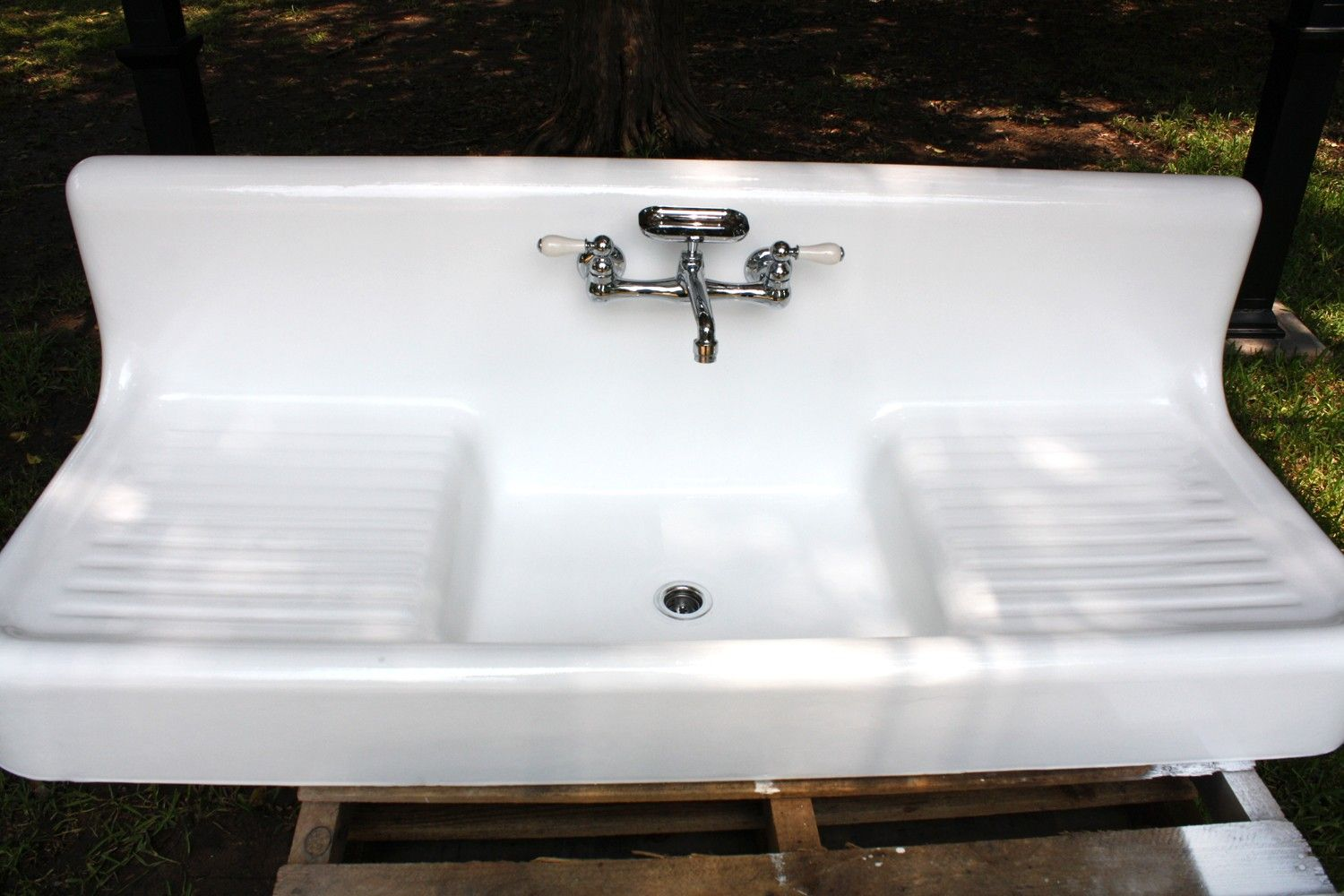 1920 S American Standard High Back Cast Iron Farmhouse Sink 59 X