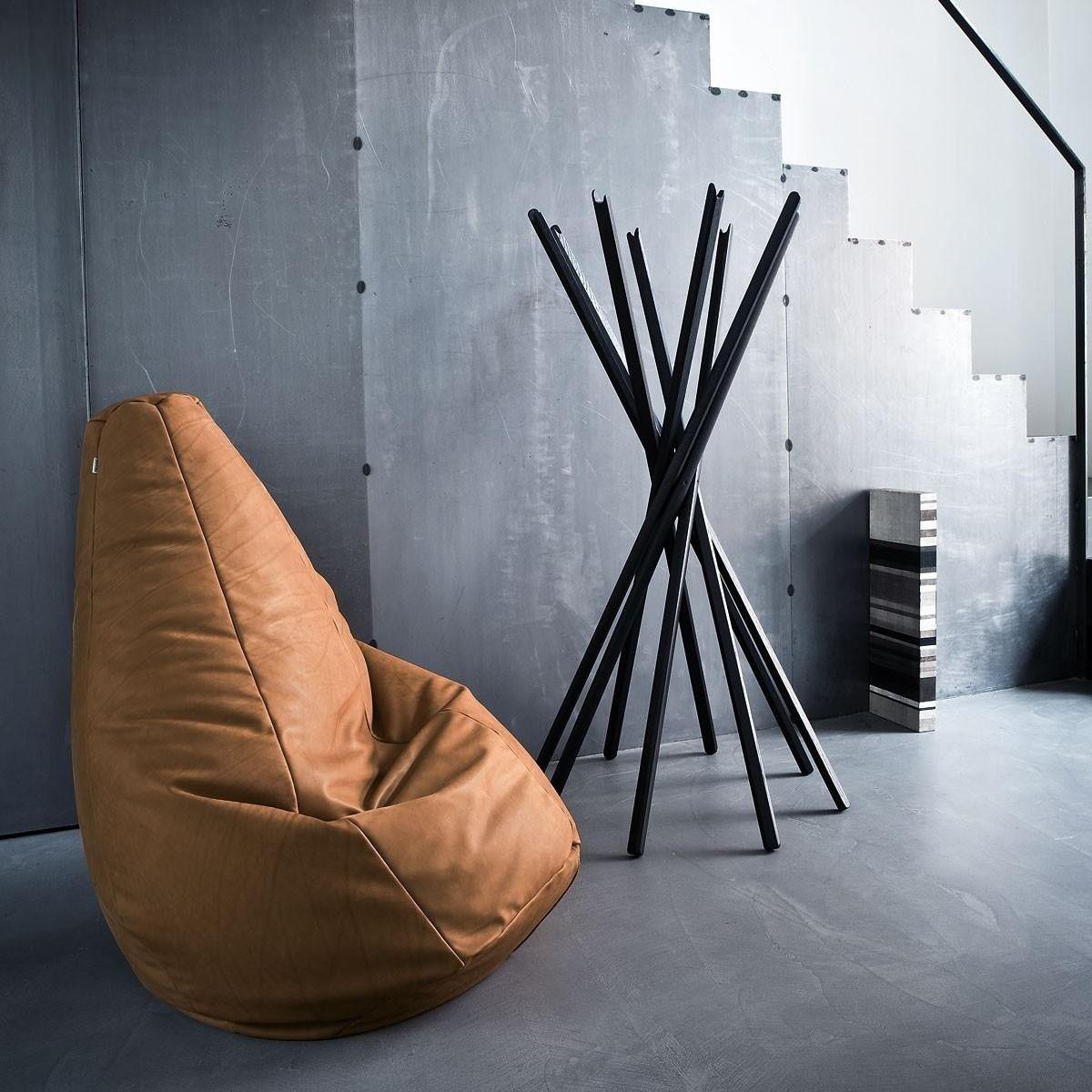 zanotta sacco sitzsack leder sabag chemineelounge. Black Bedroom Furniture Sets. Home Design Ideas