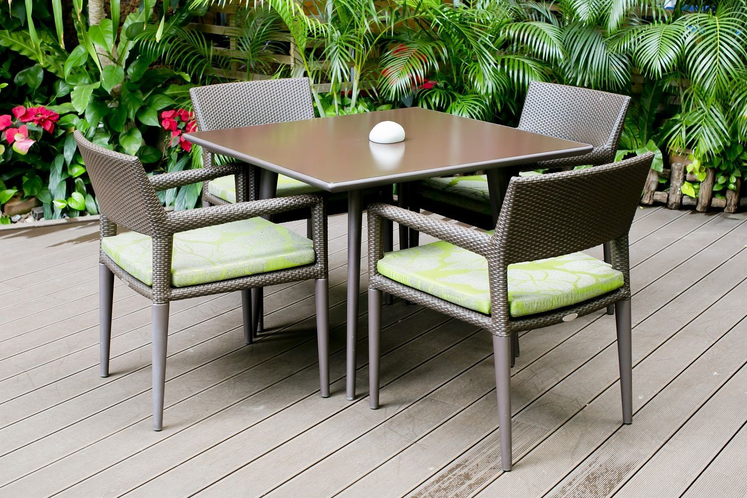 Home garden furniture  decorate your home with garden furniture they design in garden
