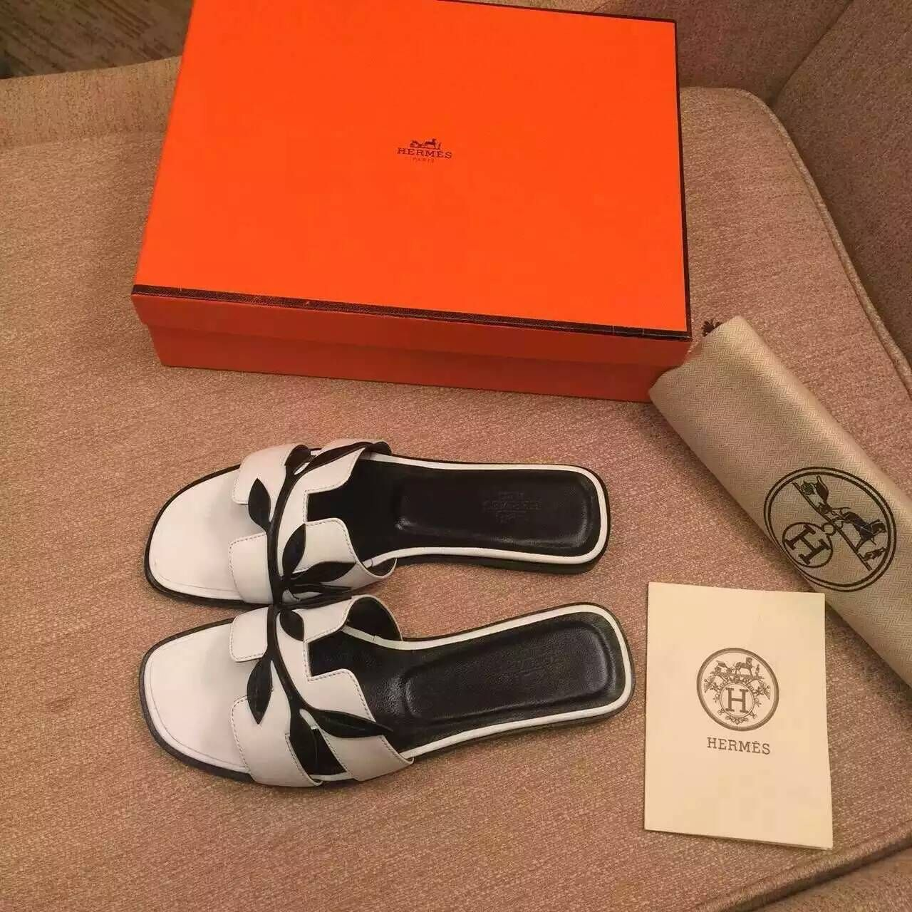 Free Shipping!2016 Hermes Outlet With Free Shipping-Hermes Oasis in white  and black Leather H161019Z-WBL 7e9cd8e9b91af