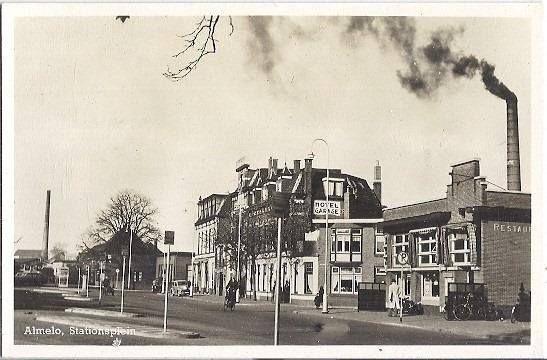 Stationsplein.(547×360)