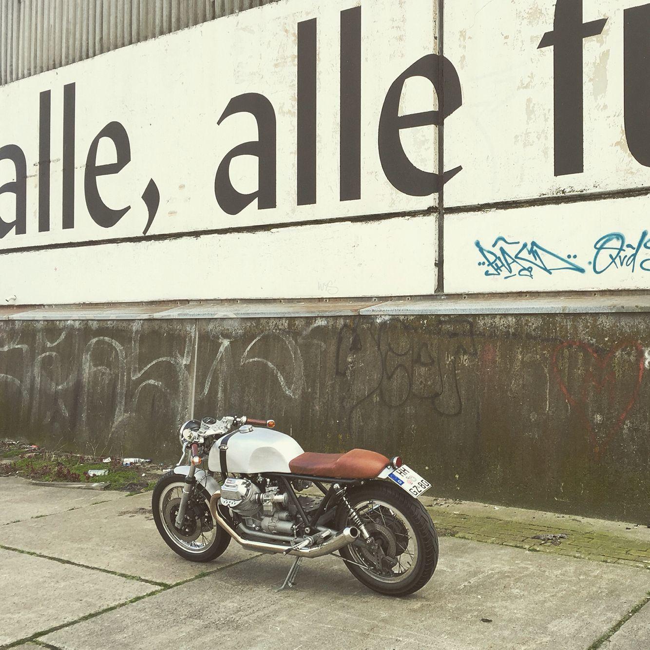 Alle, alle für ein ... Motorrad. Feierabend with my Moto Guzzi KM8 LM2 #kaffeemaschine #km8 #blackbeltmonkey #hamburg #caferacer #axelbudde #motoguzzi #lemans #allefuermotoguzzi #motorcycle #motorrad #karre #custom #custommotorcycle #vintagebike #vintage #lm2