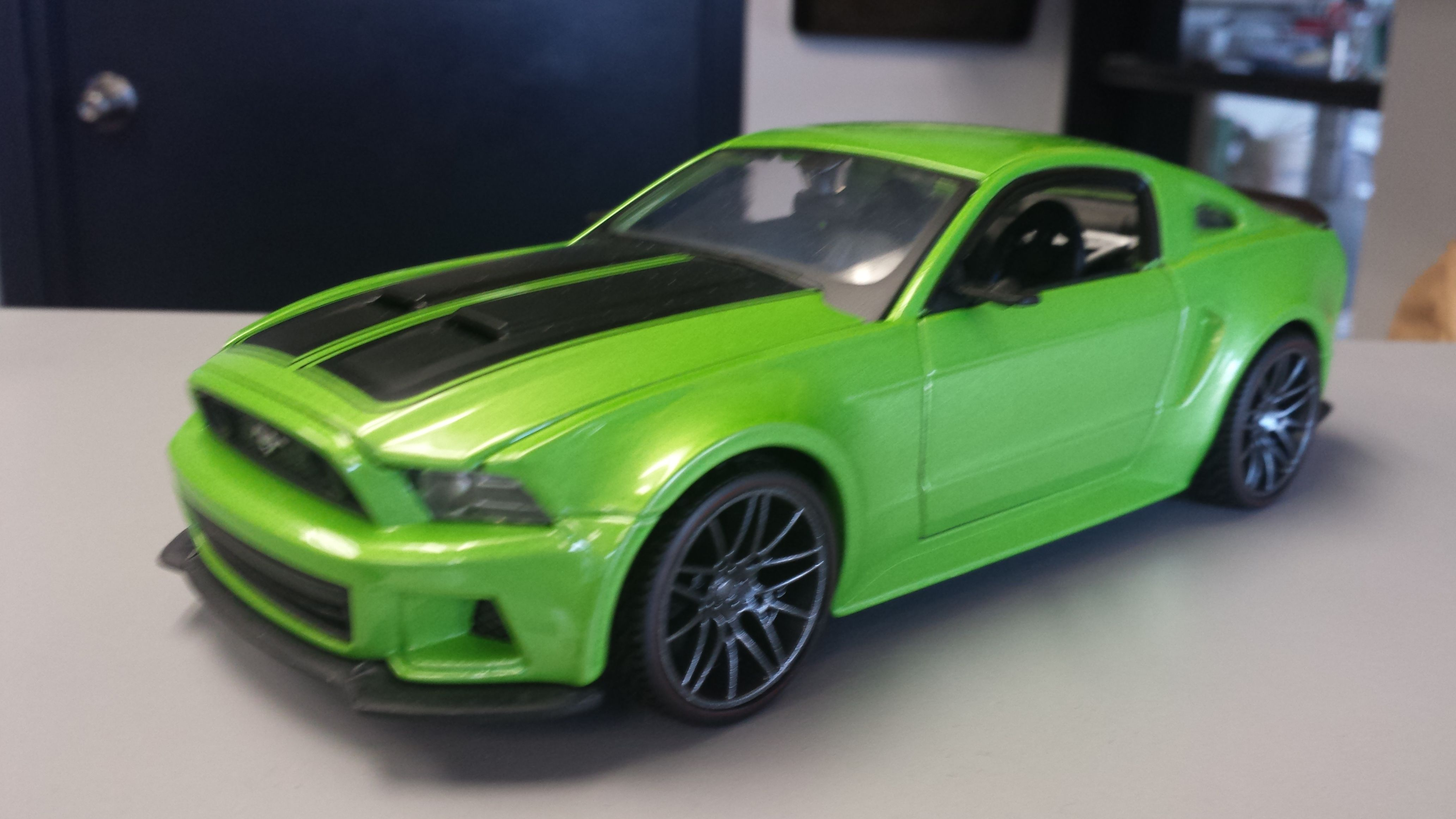2014 diecast ford mustang gt 5 0 coyote motor in gotta. Black Bedroom Furniture Sets. Home Design Ideas