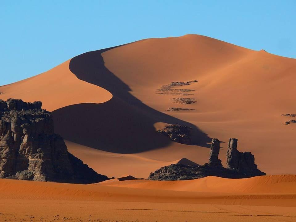 Tagrera dans le plateau du Tassili du Hoggar Algérie ALGERIA ...