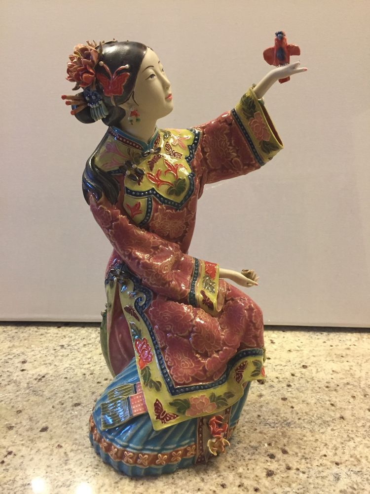 Master Chinese Porcelain Ceramic Figurine Oriental Lady Bird Porcelain Doll Costume Chinese Porcelain Porcelain Ceramics