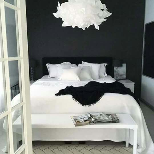 Cute Black And White Bedroom White Bedroom Design Bedroom Interior Black White Bedrooms