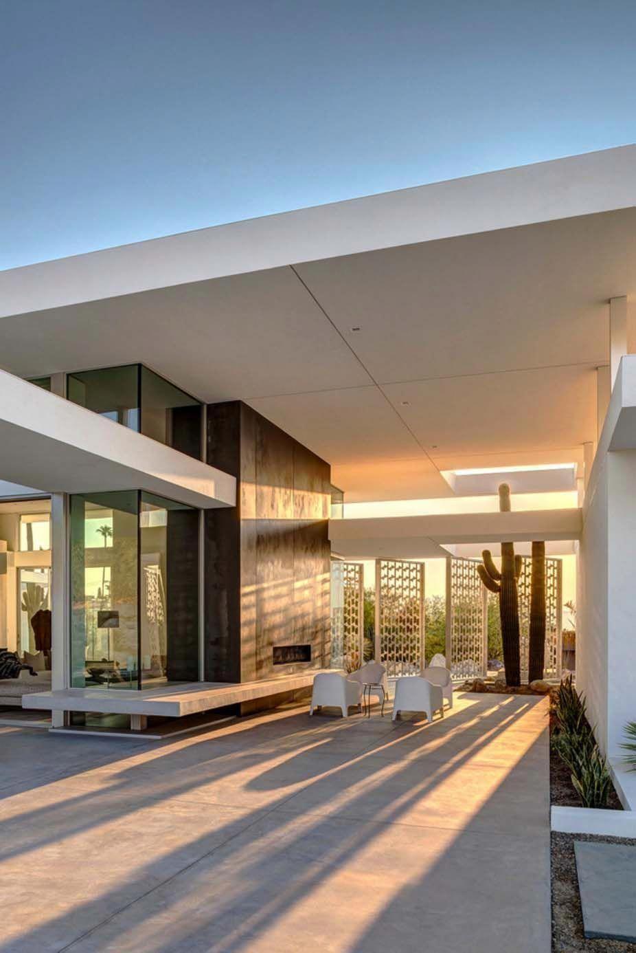 Visionary midcentury modern home piercing the palm springs desert