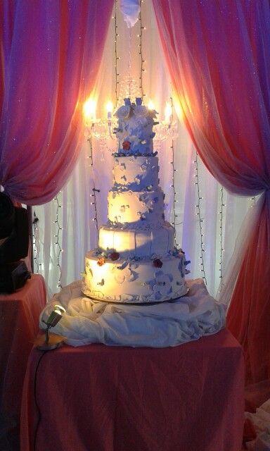 Lizzie's Cakes N' Cupcakes Wedding Cake