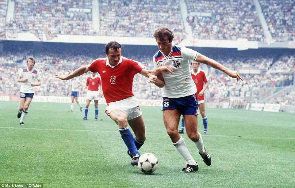 England 2 Czechoslovakia 0 in 1982 in Bilbao. Trevor Francis makes a good break down the left in Group 4 at the World Cup Finals.