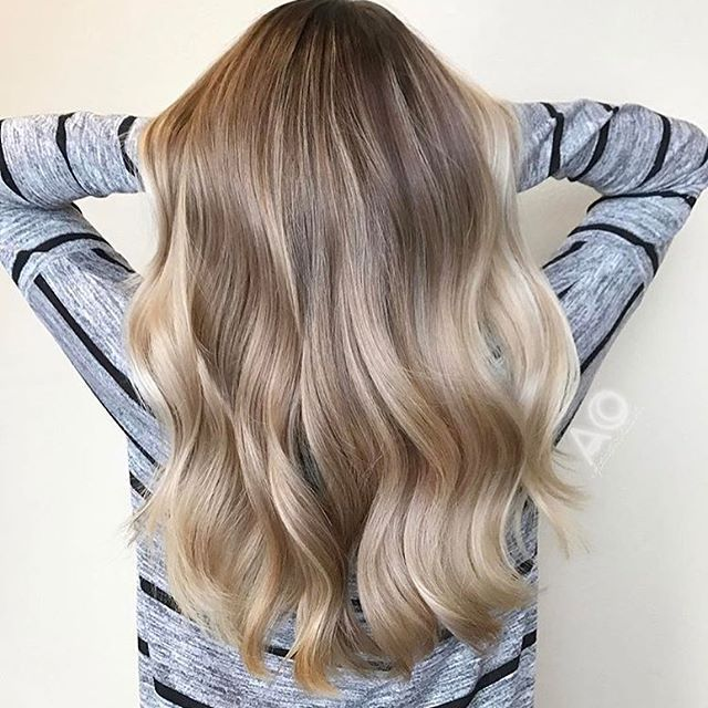Soft champagne Blonde ????  Color by @astaciachristenson_hair  #hair #hairenvy #hairstyles #haircolor #blonde #champagne #highlights #newandnow #inspiration #maneinterest #naturalashblonde