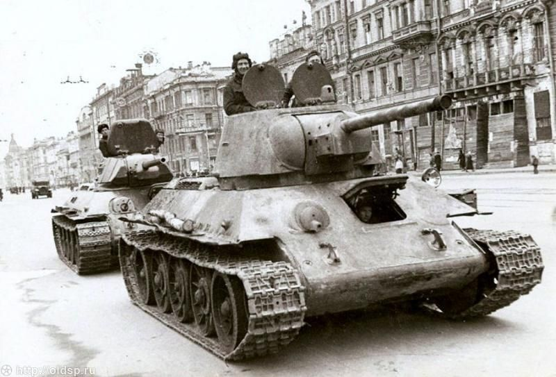 Фотография - Танки на Невском проспекте. - Фотографии ...