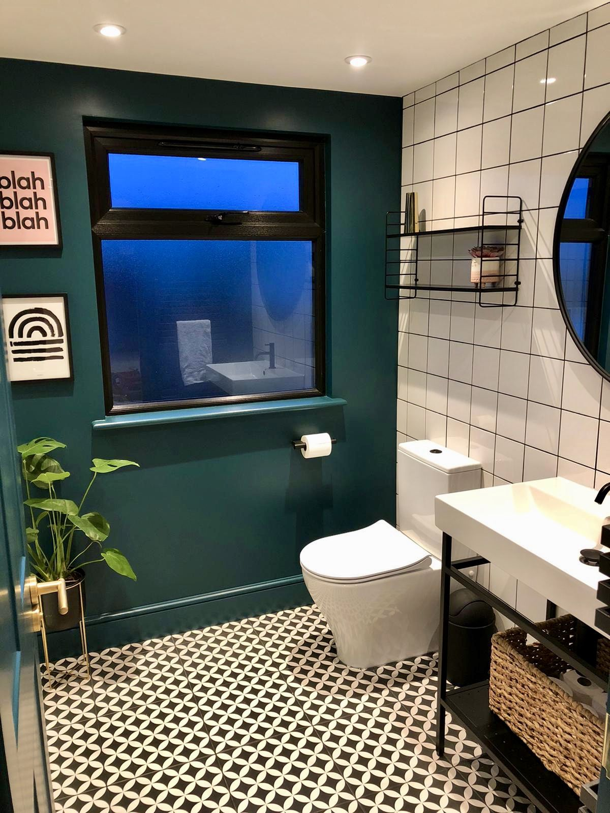 Green Black White Pink And Gold Bathroom In 2020 Green Bathroom Black White Bathrooms Gold Bathroom Decor