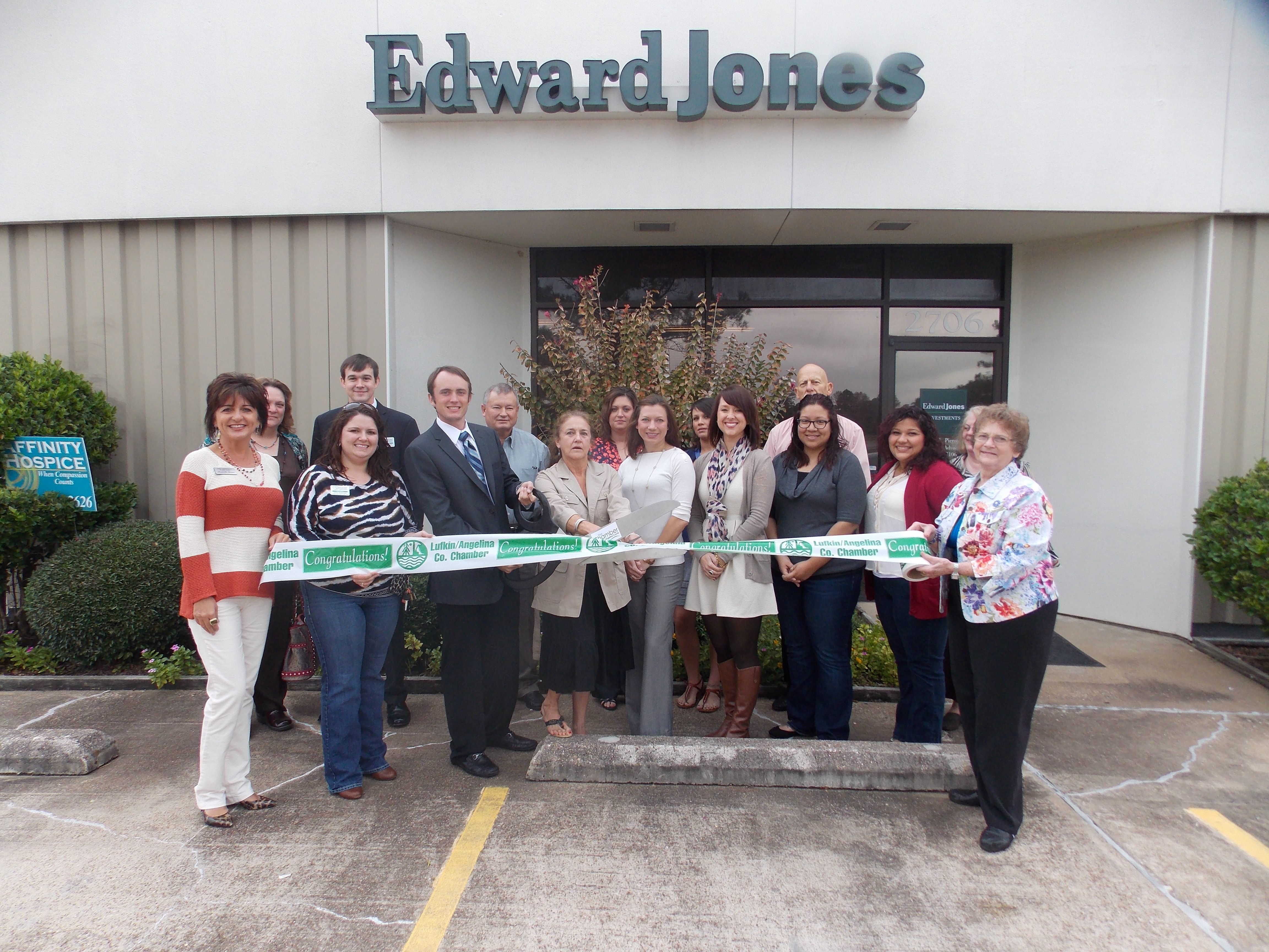Welcoming Edward Jones Ryder Pierce Into The Lufkin Angelina County Chamber Of Commerce Lufkin Event Chamber Of Commerce