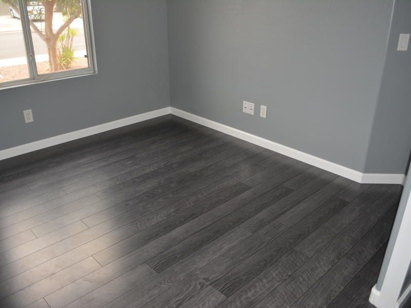grey laminate flooring with grey walls, Before and After :: Lumber Liquidators Flint Creek Oak1