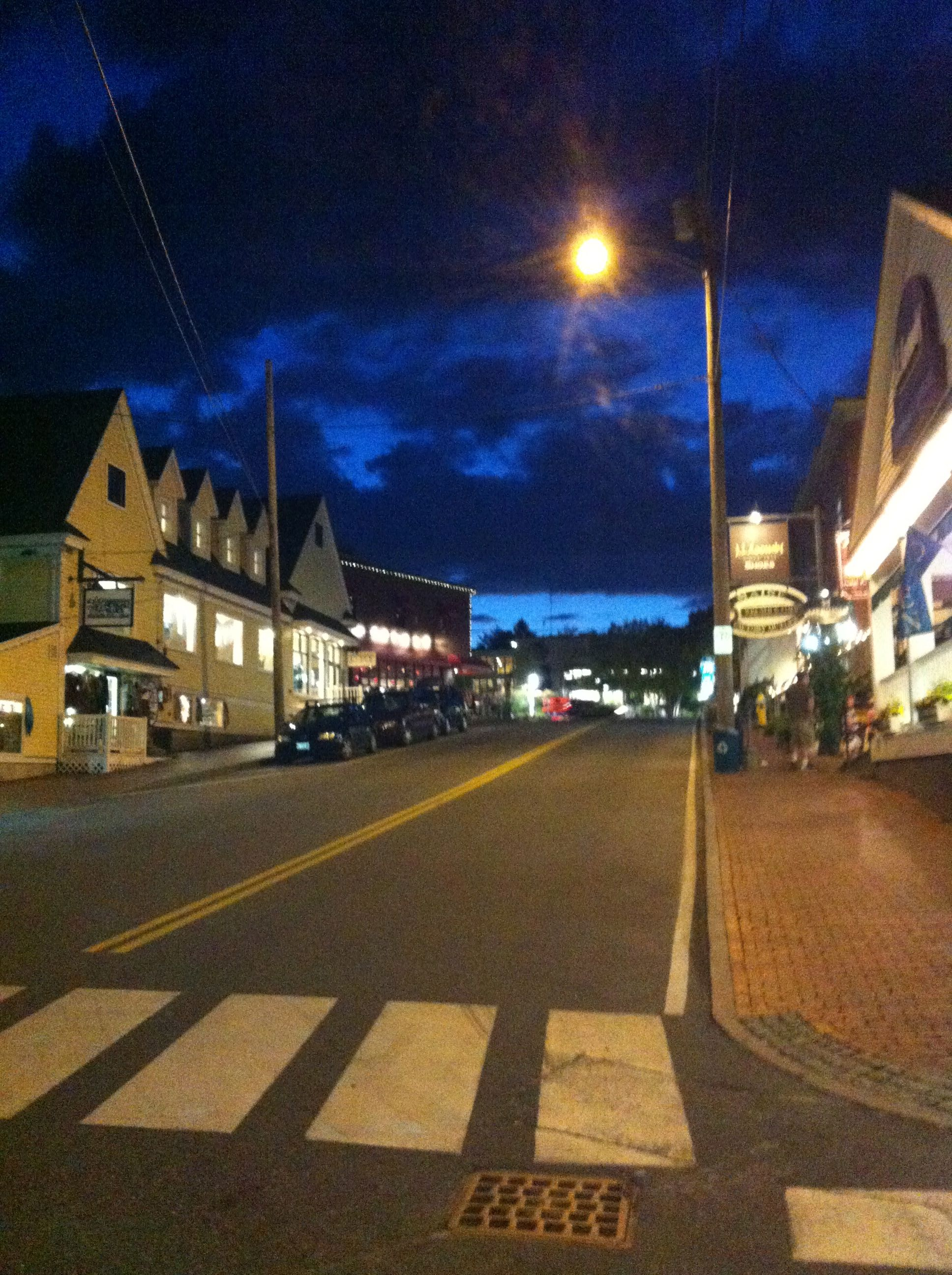 Freeport, Maine shopping & outlet stores in small town