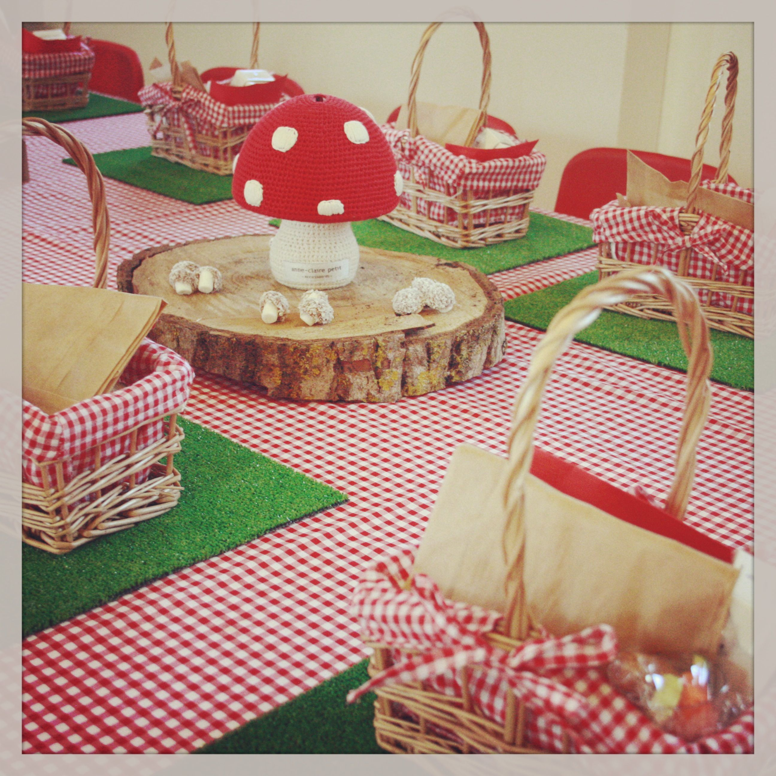 Exceptionnel Teddy Bears Picnic Table