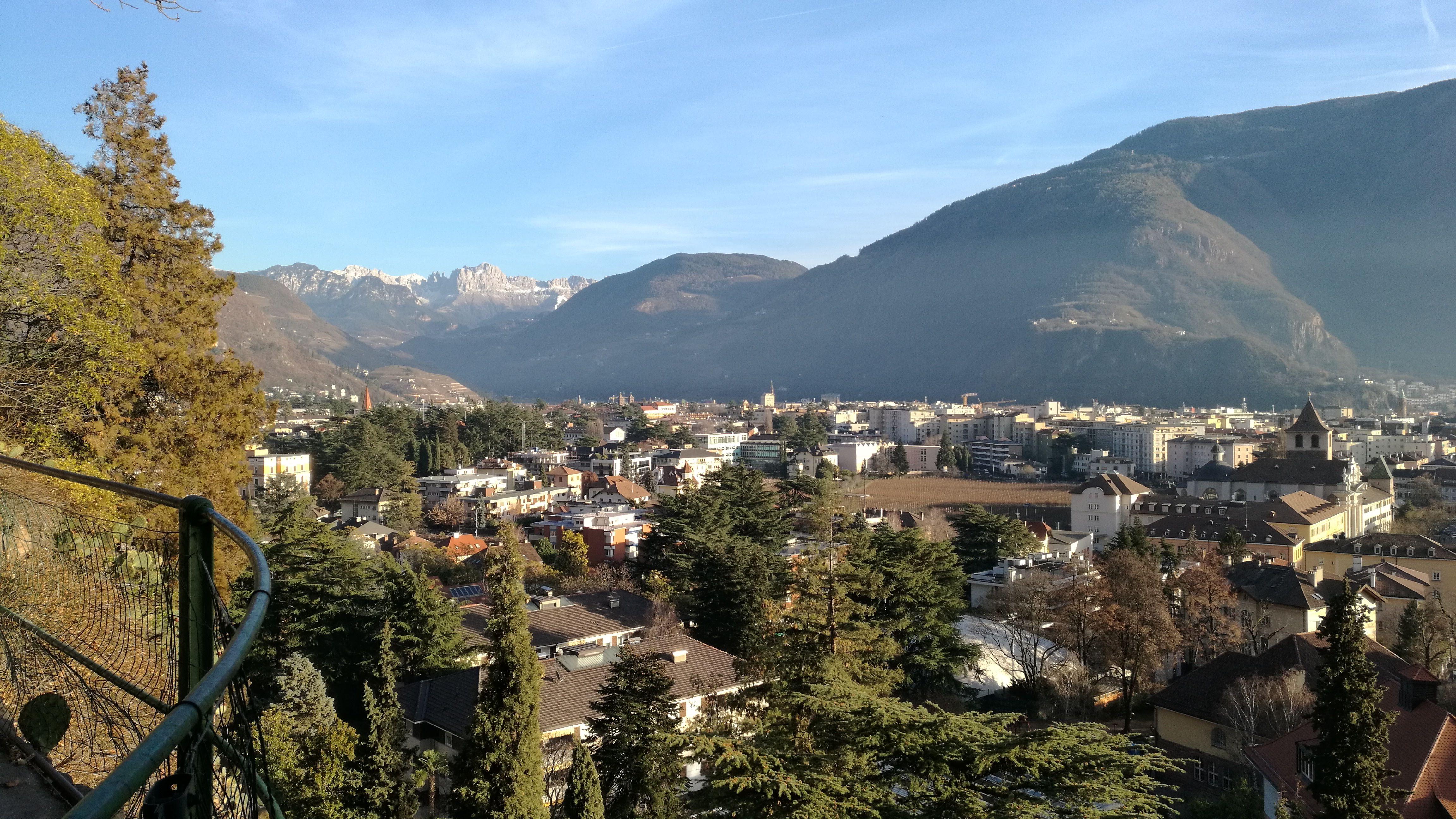 Vistas de Bolzano desde la montaña