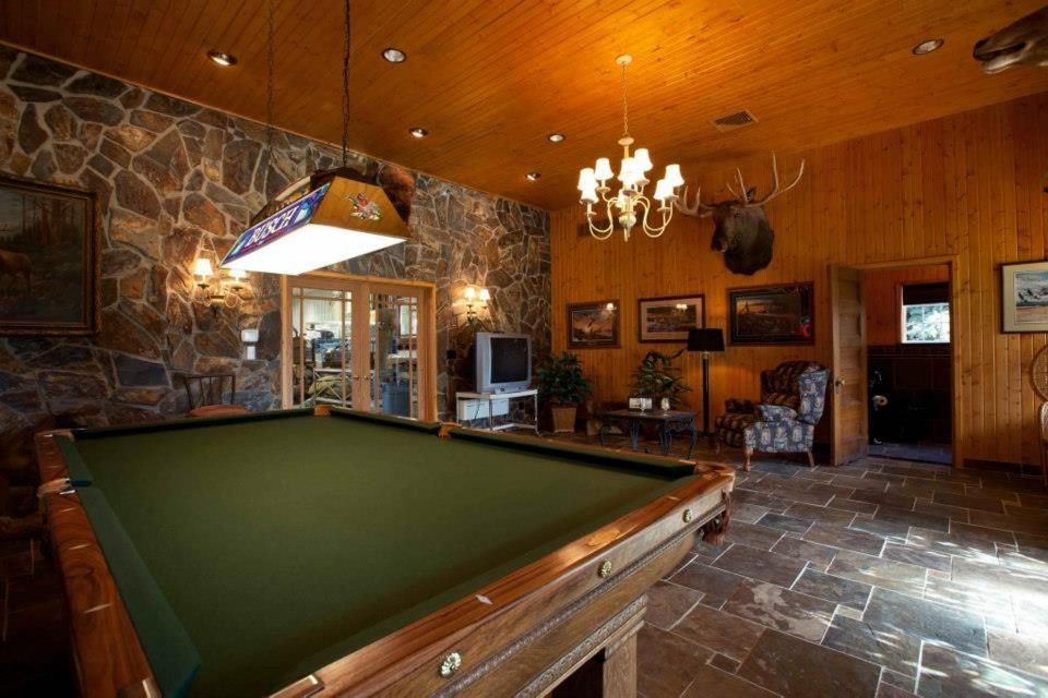Detached Garage Man Cave Ideas : Create a man cave in your garage caves men and