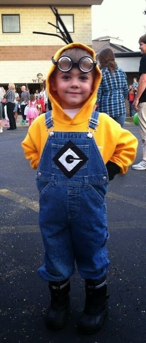 Minion costume - Easy DIY halloween costume  sc 1 st  Pinterest & Minion costume - Easy DIY halloween costume | The Holidays ...