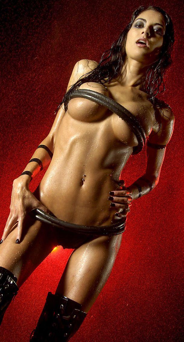 milf nude wet pussy