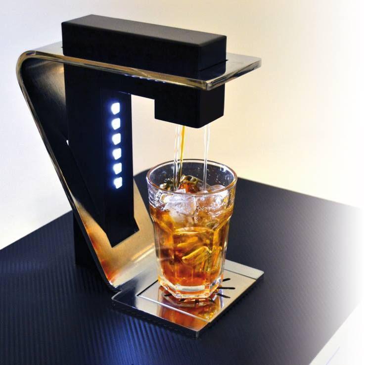 cocktails machine al lavoro gigpro il dosatore automatico pinterest cocktail machine. Black Bedroom Furniture Sets. Home Design Ideas