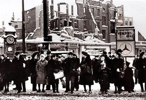 HANNOVER HUNGERWINTER 1946 1947 hanover germany bombing ww2   WW II