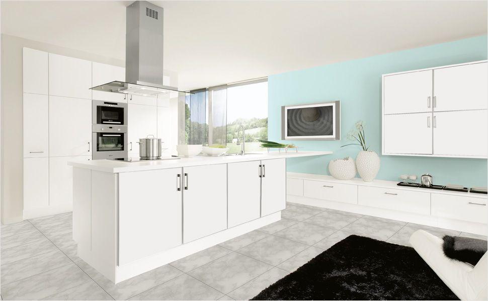 Extrem stilvoll, eine weiße Küche Große Kochinseln sind praktisch
