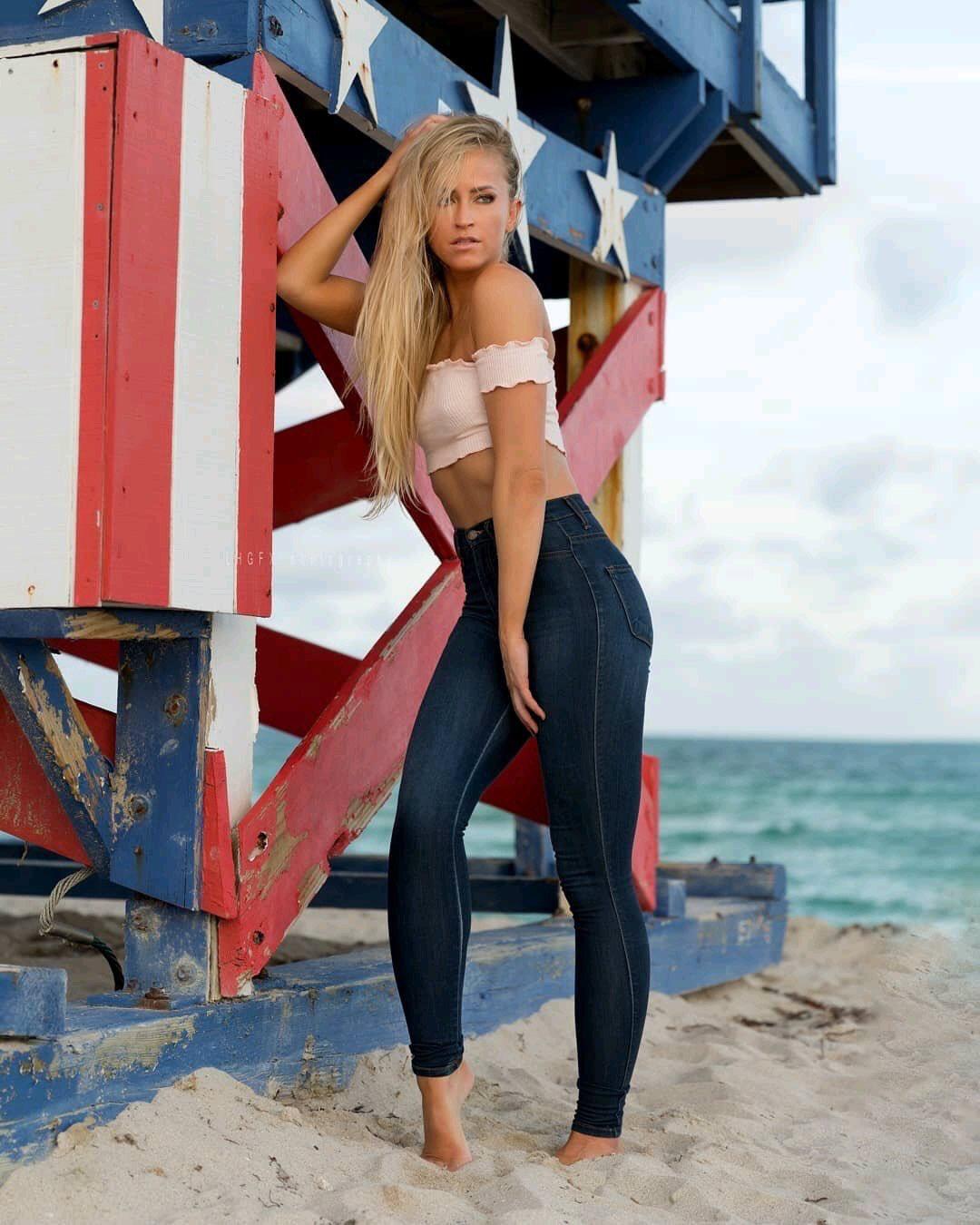 Paparazzi Ellie Goulding nude photos 2019